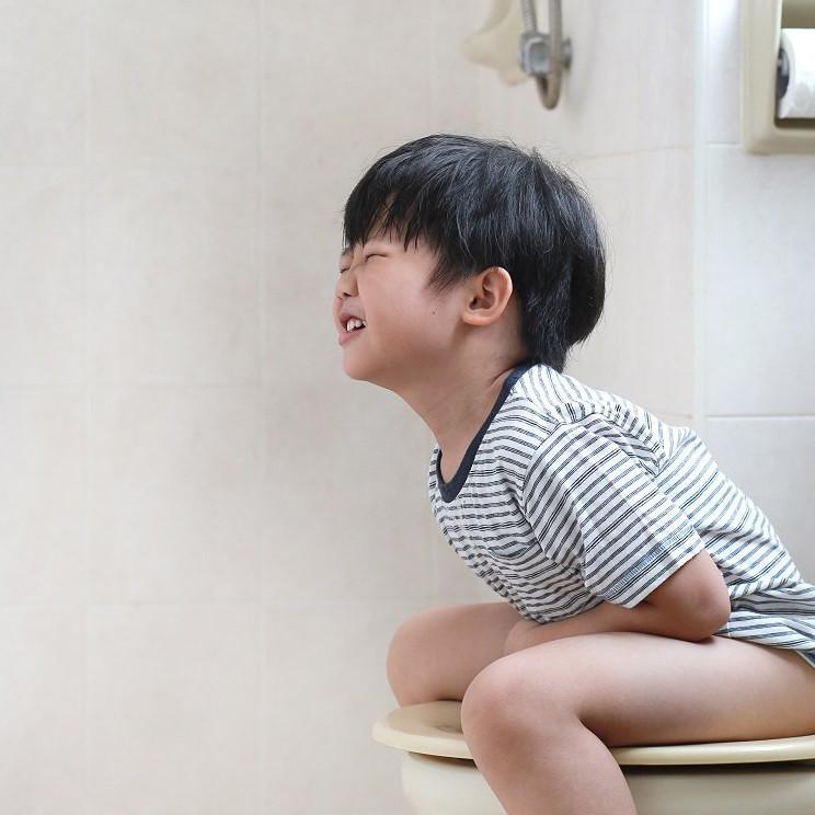 Hướng dẫn chăm sóc trẻ bị tiêu chảy cấp tại nhà